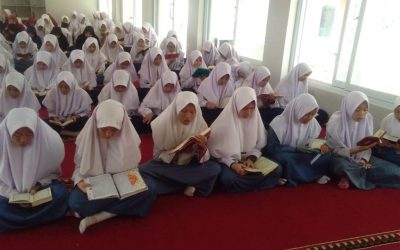 Kegiatan SMP-SMA-SMK Telkom Sekar Kemuning Cirebon sebelum KBM Pagi Hari