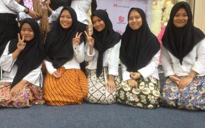 Penampilan Paduan Suara Siswa-Siswi SMK Telkom Sekar Kemuning di CSB