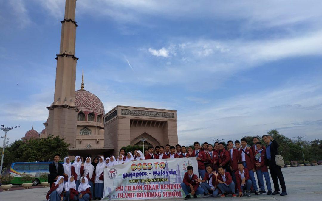 Study International SMA Telkom Sekar Kemuning 2019 ke Malaysia dan SIngapore
