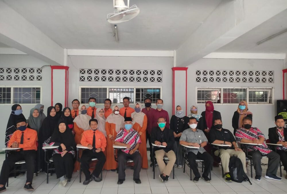 Kunjungan YPT Telkom ke Telkomschools Sekar Kemuning Kota Cirebon