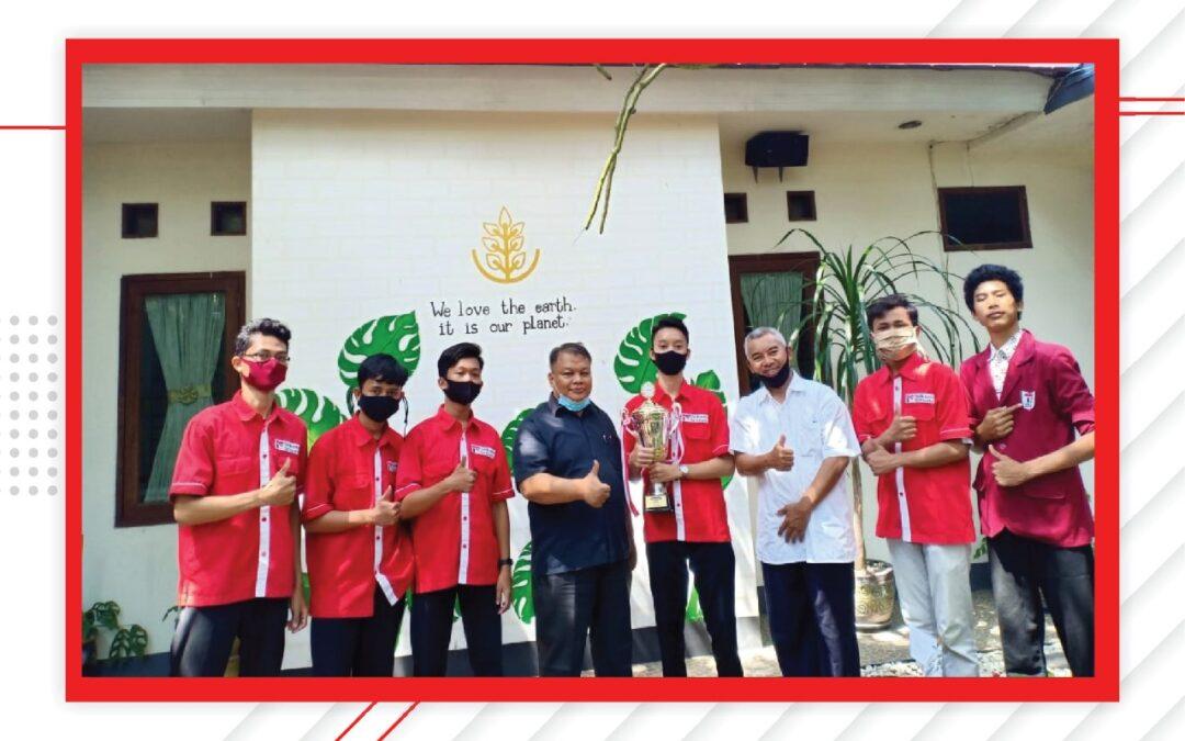 Kegiatan penyerahan hadiah lomba KIGP (Kompetensi Indihome Generasi Pertama)  siswa SMK Telkom Sekar Kemuning Cirebon